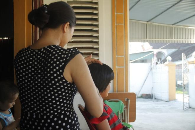Cô bé 10 tuổi thiểu năng vào bệnh viện chơi, bị gã đàn ông xâm hại ngay trên giường bệnh - Ảnh 2.