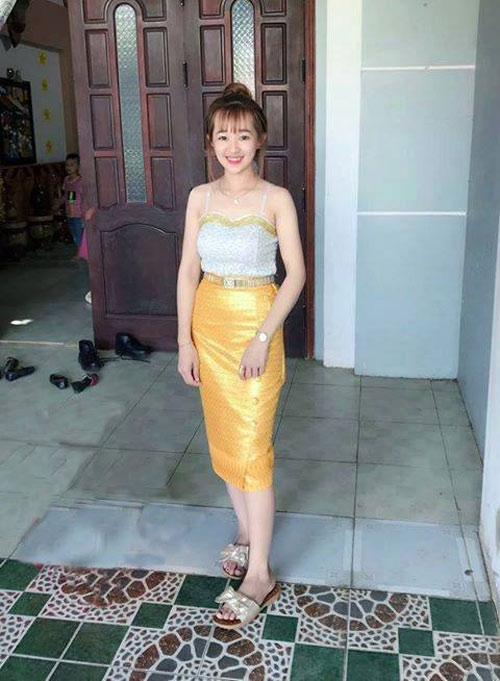 "cuoi ngat voi cai ket hot girl len mang nho cac ""thanh photoshop"" xoa chiec ghe do - 16"