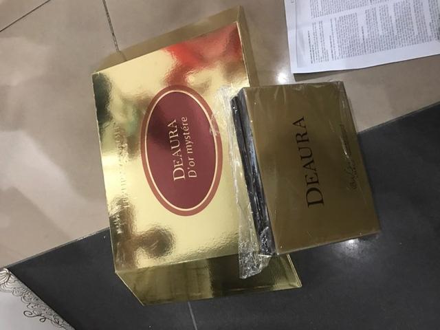 Bộ sản phẩm dưỡng da của DeAura bán cho bà H với giá 43 triệu đồng.
