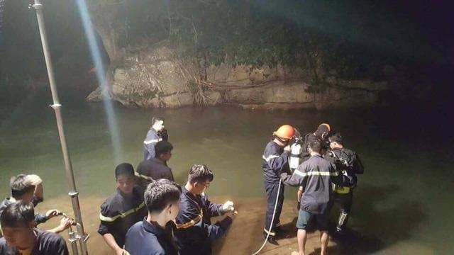 Đến 9h sáng nay (22/9) lực lượng cứu hộ, cứu nạn mới tìm thấy thi thể nam sinh viên.