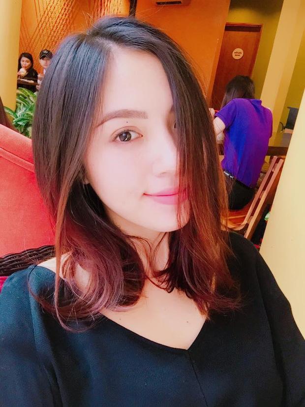 Nhan sắc đời thường của 10 cô gái đầu tiên lọt vào Bán kết Hoa hậu Hoàn vũ Việt Nam 2017 như thế nào? - Ảnh 19.