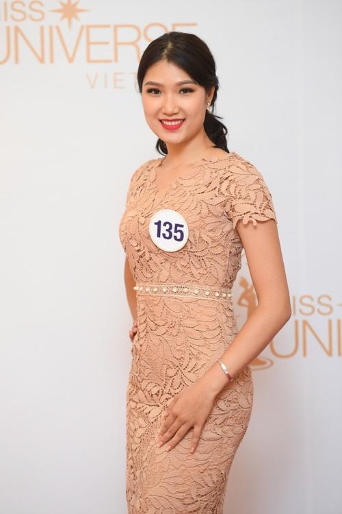 Nhan sắc đời thường của 10 cô gái đầu tiên lọt vào Bán kết Hoa hậu Hoàn vũ Việt Nam 2017 như thế nào? - Ảnh 27.