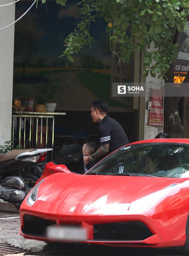 [Video hot] Tuấn Hưng phóng siêu xe Ferrari 15 tỷ gây chú ý trên phố - Ảnh 5.