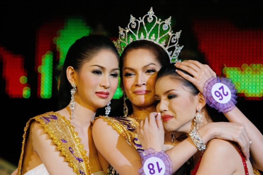 Cuoc song sau khi xuat gia cua hoa hau chuyen gioi Thai Lan hinh anh 4