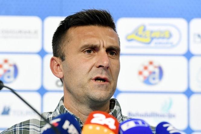 HLV Mario Cvitanovic phản ứng trước vụ bị côn đồ đánh gãy tay /// AFP