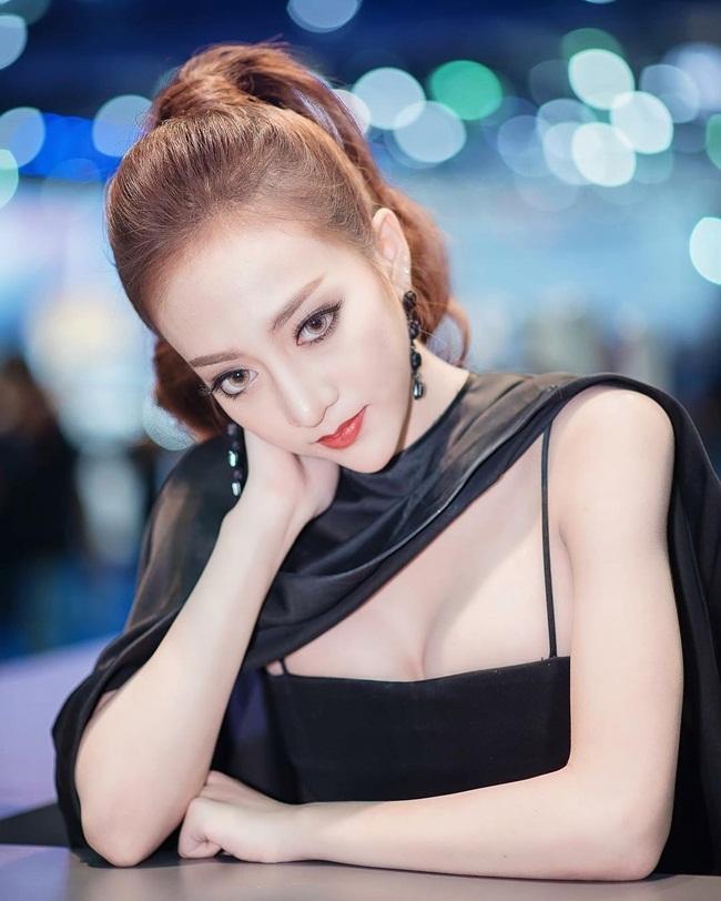 Vẻ đẹp nóng bỏng của cô người mẫu 18 tuổi khiến dân mạng rần rần chia sẻ  - Ảnh 6.