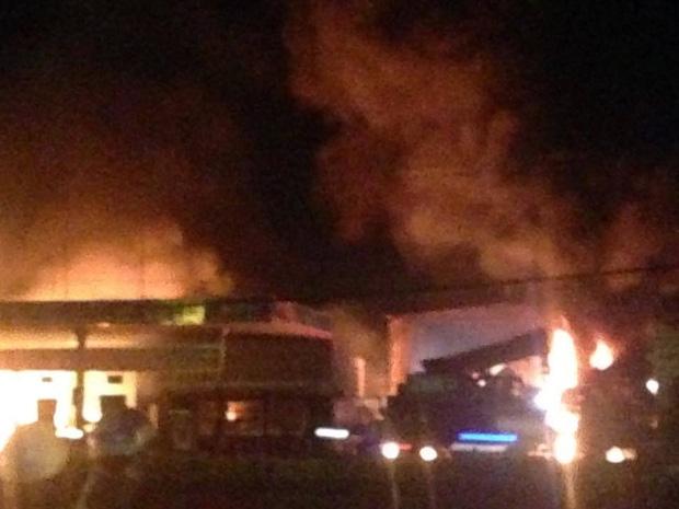 Cháy lớn gần cây xăng ở Vũng Tàu, nhiều người hoảng loạn - Ảnh 3.