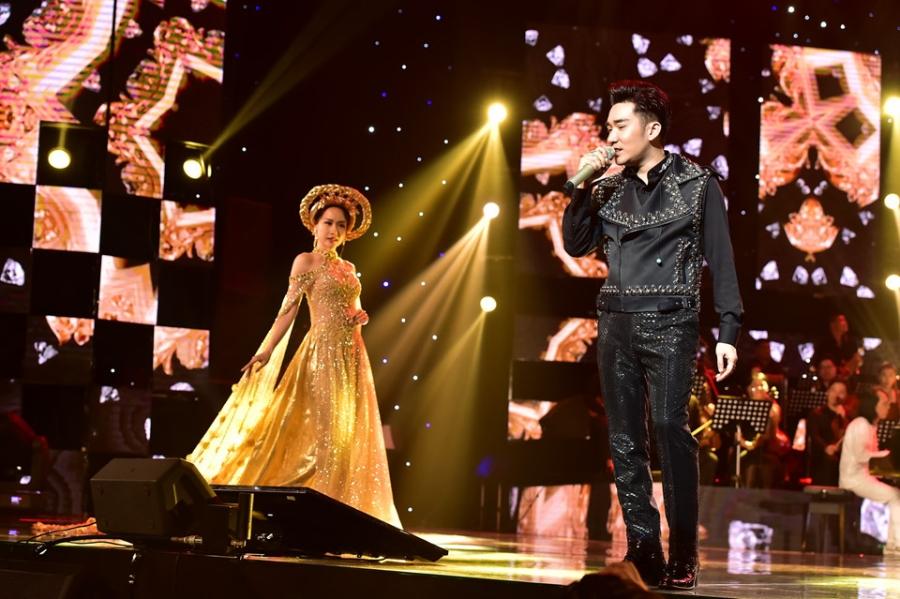 Hoai Linh lam co dau xinh dep trong live show Quang Ha hinh anh 8