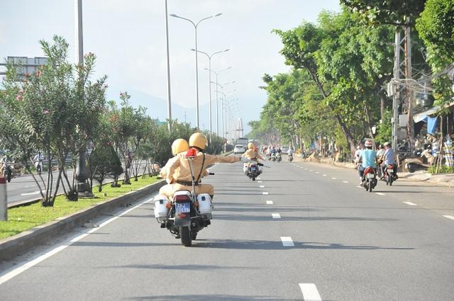 Phục vụ đắc lực cho đoàn ô tô chuyên dụng phải cần đến nhiều mô tô đặc chủng để dẹp đường