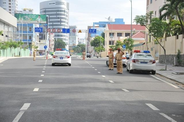 Lực lượng CSGT tại các chốt và nút giao thông