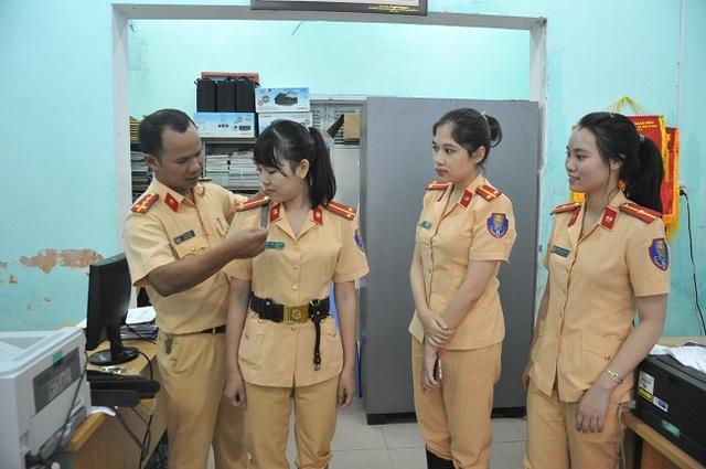 Các nữ CSGT tham gia phục vụ APEC 2017 tại Thừa Thiên Huế