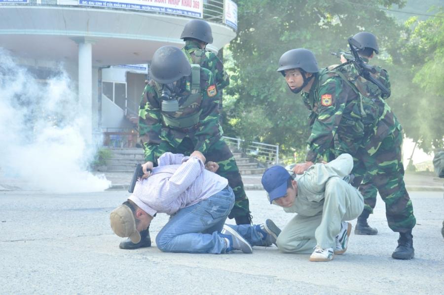 Việt-Trung, giao lưu quốc phòng biên giới, Việt - Trung