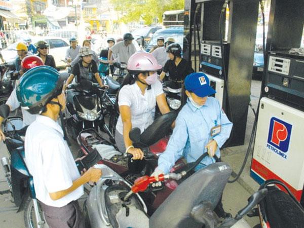 Đề xuất tăng thuế bảo vệ môi trường với xăng, dầu: Nên mở rộng đối tượng chịu thuế