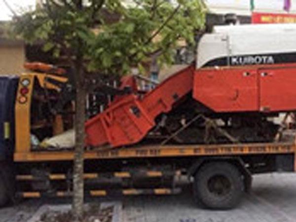 Trộm máy gặt 300 triệu, thuê xe cứu hộ chở đi bán