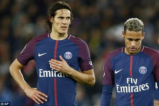 Cavani thà mất 1 triệu bảng chứ không nhường Neymar đá phạt - Ảnh 2.
