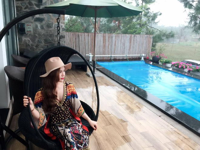 Cuộc sống hưởng thụ của Trần Hương - cô vợ hot girl đang nắm giữ trái tim Việt Anh Người phán xử - Ảnh 11.