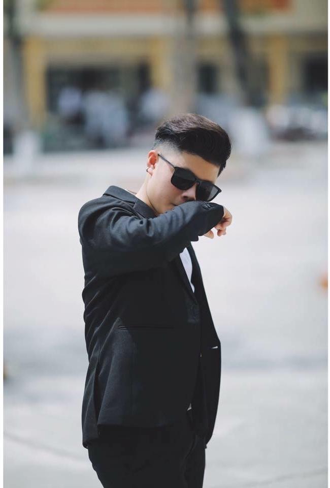 Mất tiền triệu thuê thợ chụp ảnh, chàng trai phát khóc vì bị chuyển giới không cần dao kéo - Ảnh 2.