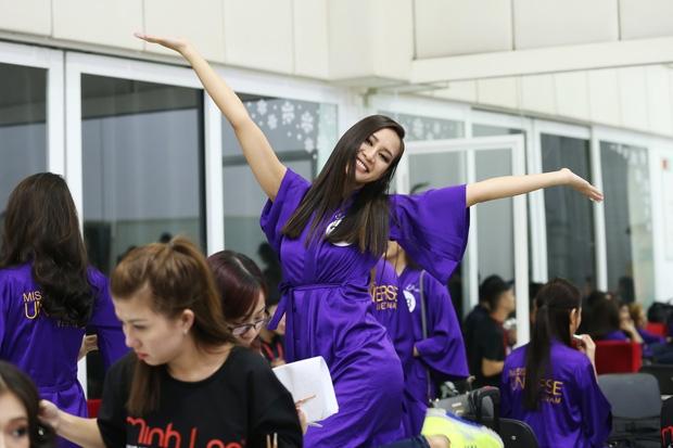 Mâu Thủy là 1 trong 10 thí sinh tiếp theo lọt vào Bán kết Hoa hậu Hoàn vũ Việt Nam - Ảnh 5.