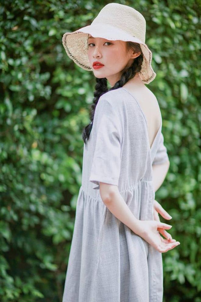 """""""Nàng thơ"""" mới của dân mạng Việt: Cô gái 22 tuổi dịu dàng với mái tóc đen và đôi mắt buồn - Ảnh 3."""