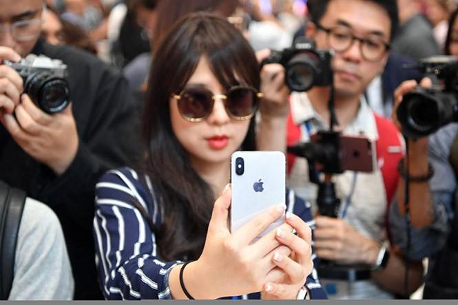 Nên nâng cấp lên iPhone 8 hay chờ iPhone X - ảnh 1