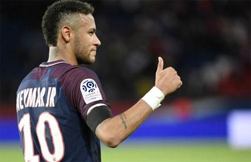 neymar-kiem-duoc-5000-dola-moi-gio-song-nhu-vua-o-paris