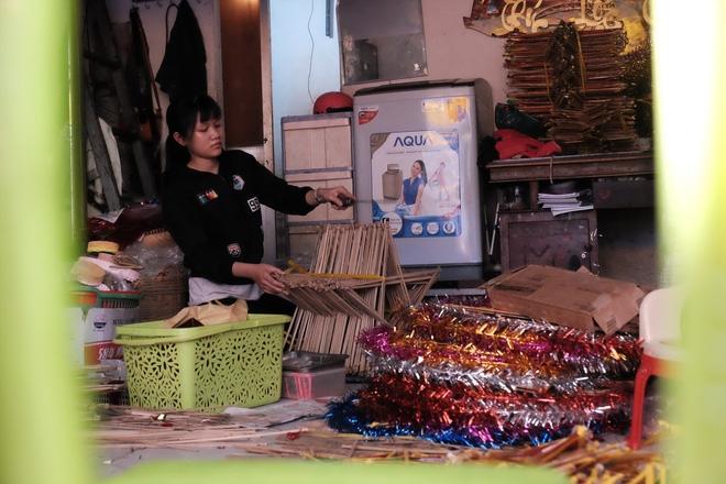 Xóm lồng đèn xưa nhất Sài Gòn vào mùa, bán hàng ngàn chiếc cho khách dịp Trung thu - Ảnh 12.