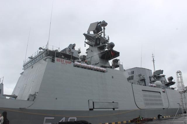 Là một trong số những tàu thuộc dự án đóng tàu khu trục nhỏ đa nhiệm của hải quân Ấn Độ, tàu hộ vệ INS Satpura có chiều dài 143 m với lượng giãn nước là 6.200 tấn.