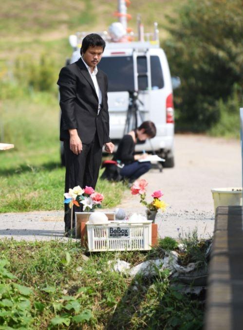 Cha bé Nhật Linh: Mong bé quay lại đầu thai làm con tôi - Ảnh 1.