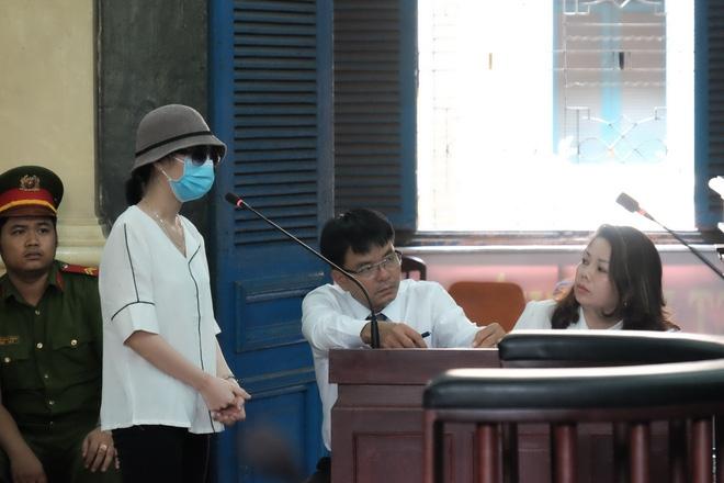 Nữ sinh bị tạt axit ở Sài Gòn kháng án thành công, cô gái chủ mưu lãnh án gần 10 năm tù - Ảnh 2.