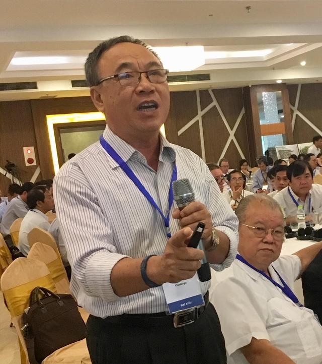 Tiến sĩ Hoàng Ngọc Phong thẳng thắn: Trồng lúa không thể giúp nông dân làm giàu