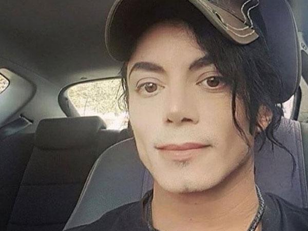 9X chia sẻ ảnh anh chàng giống hệt Michael Jackson