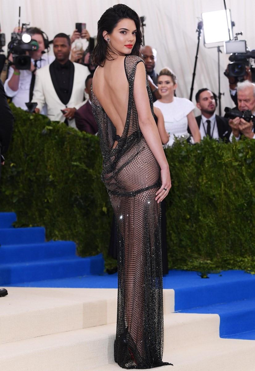 10 nam de che Kardashian: Nu quyen len ngoi hay su cuong danh doc hai? hinh anh 4