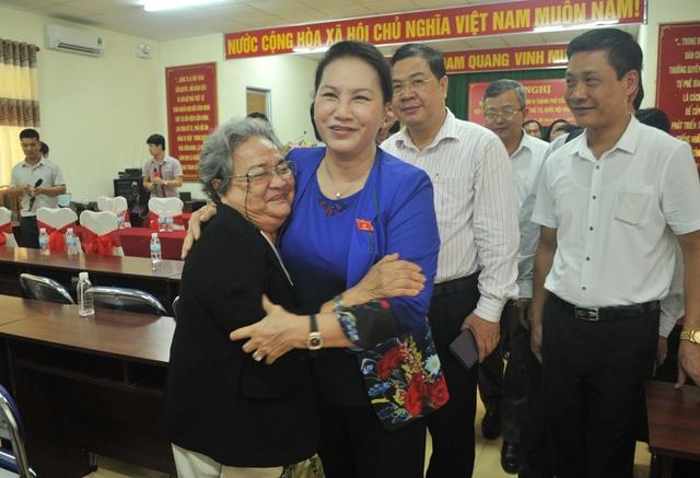 Chủ tịch QH tiếp xúc cử tri quận NInh Kiều, TP Cần Thơ