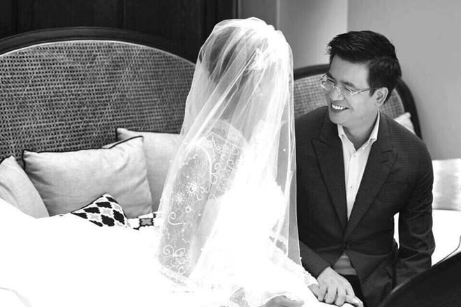 Giám đốc VTV24 Quang Minh xúc động trong lễ cưới với hôn thê kém 10 tuổi - 7