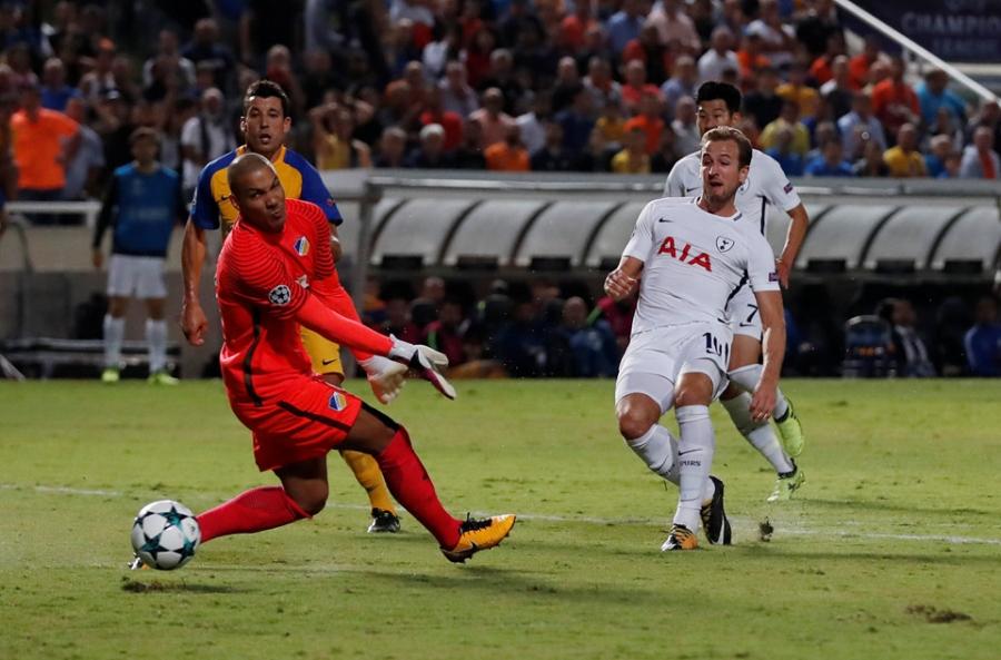 Harry Kane di vao lich su sau cu hat-trick tai Champions League hinh anh 3