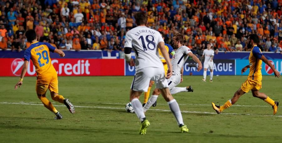 Harry Kane di vao lich su sau cu hat-trick tai Champions League hinh anh 4
