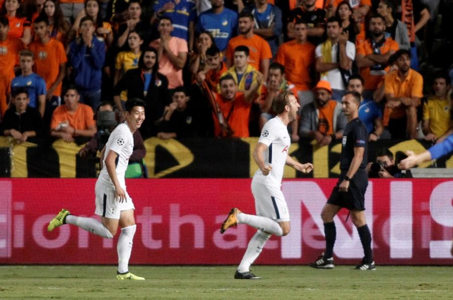 Harry Kane di vao lich su sau cu hat-trick tai Champions League hinh anh 6