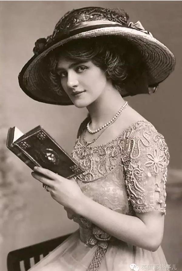 """Hình ảnh dung dị mà đẹp rạng ngời của 13 nàng """"quốc sắc thiên hương"""" từ 100 năm trước - Ảnh 2."""