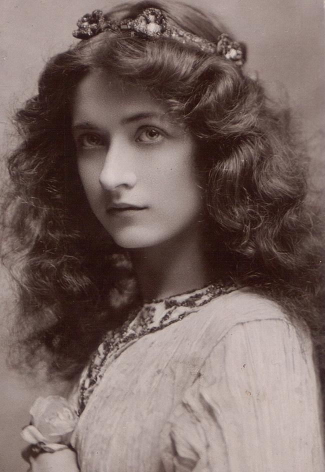 """Hình ảnh dung dị mà đẹp rạng ngời của 13 nàng """"quốc sắc thiên hương"""" từ 100 năm trước - Ảnh 5."""