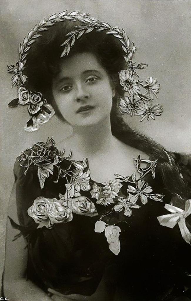 """Hình ảnh dung dị mà đẹp rạng ngời của 13 nàng """"quốc sắc thiên hương"""" từ 100 năm trước - Ảnh 20."""