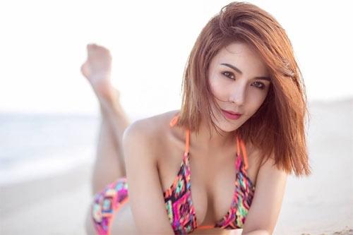 """""""Quả bom sexy"""" showbiz Việt khiến mày râu nhức nhối vì áo tắm khoét hiểm - 10"""