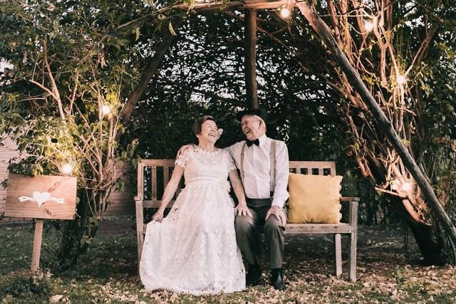 """Ở bên """"người ấy"""", chỉ ngồi kể chuyện trong vườn cũng thấy vui"""