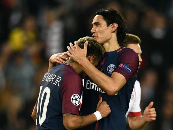 Neymar - Cavani giúp PSG nhấn chìm Bayern