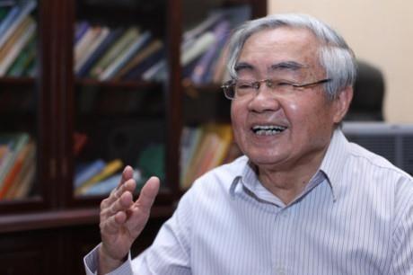 GS Phạm Minh Hạc cho rằng việc phát giác bằng giả quá đơn giản. Vấn đề là có làm hay không. Ảnh: TL