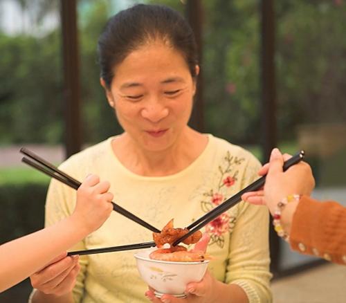 kieng-ky-khi-dung-dua-cua-nguoi-xua-ban-co-vo-tinh-pham-phai-4