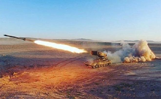 """""""Lửa mặt trời"""" TOS-1A – Súng phun lửa đặc biệt của Quân đội Nga"""
