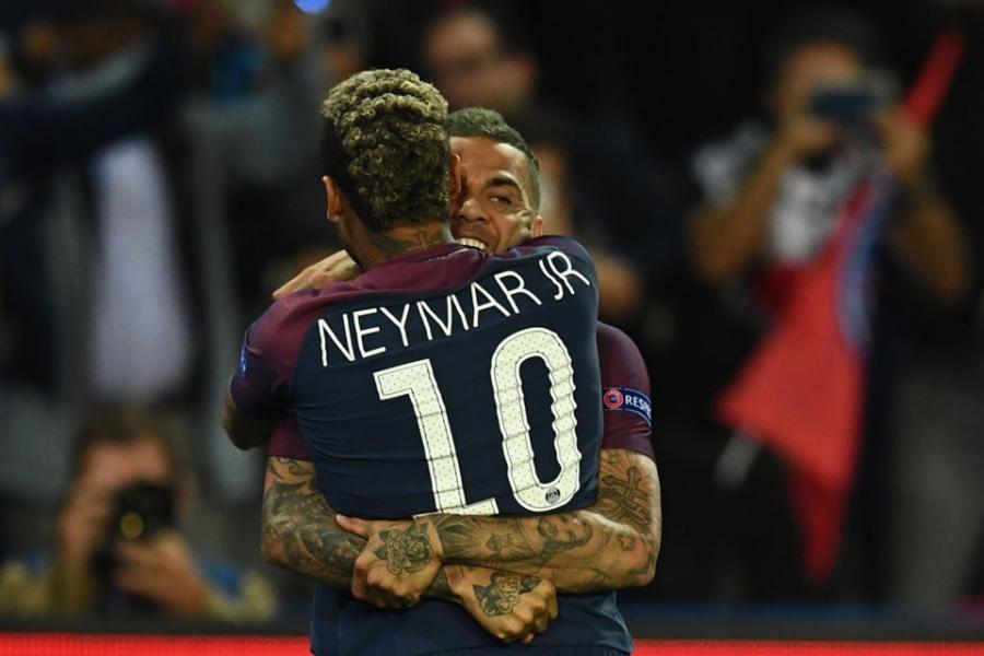 Neymar - Cavani giup PSG nhan chim Bayern hinh anh 6