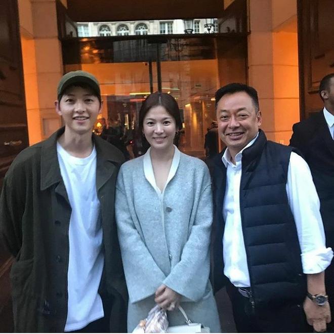 Song Hye Kyo lộ bụng khi xuất hiện cùng Song Joong Ki, nghi vấn đã mang thai - Ảnh 2.