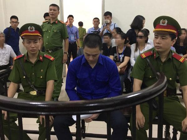 Kết thúc phiên toà vụ dâm ô bé gái 8 tuổi ở Hà Nội: Bị cáo bị tuyên 24 tháng tù