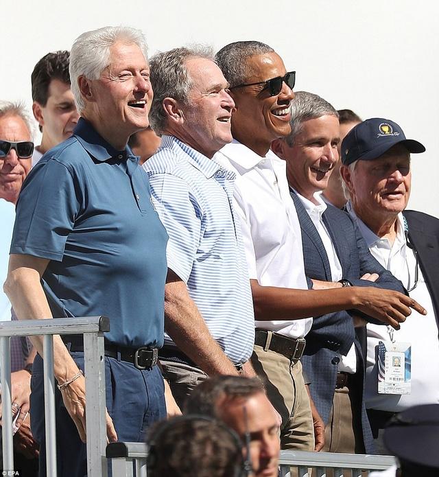 Kể từ khi bắt đầu được tổ chức từ năm 1994 đến nay, đây là lần đầu tiên Presidents Cup chào đón cả 3 cựu tổng thống cùng tới tham dự sự kiện một lúc. (Ảnh: EPA)
